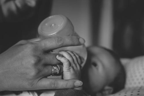 konwalijka_fotografia_dziecieca_sanok_rodzinna_lifestyle_sesja_w_domu_klienta_newborn_baby20