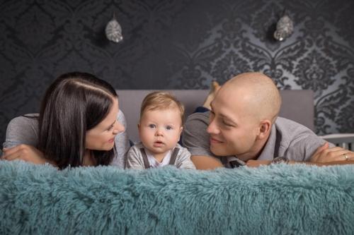 konwalijka_fotografia_dziecieca_sanok_rodzinna_lifestyle_sesja_w_domu_klienta_newborn_baby3